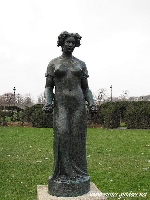Pomone drapée Jardins du Carrousel Paris