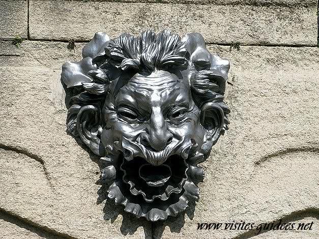 Mascaron de la terrasse du jardin des serres d'Auteuil