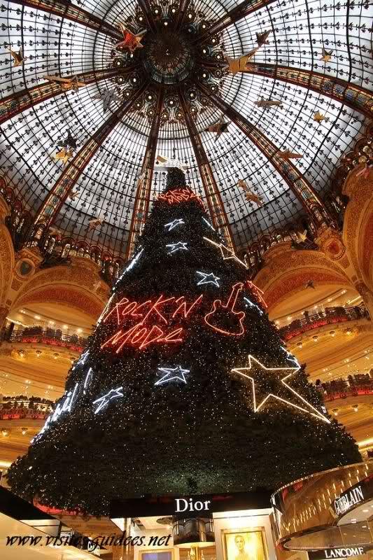 Sapin géant Galeries Lafayette Haussmann