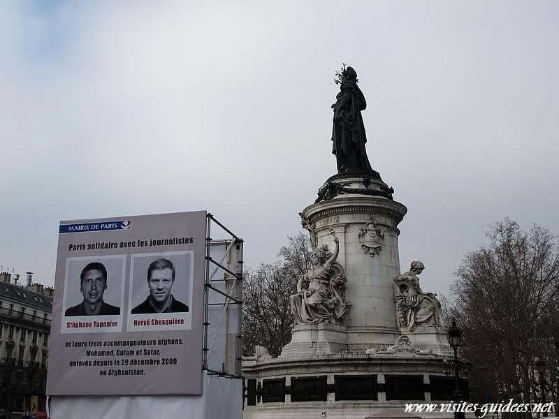Portraits des otages Place de la République Paris