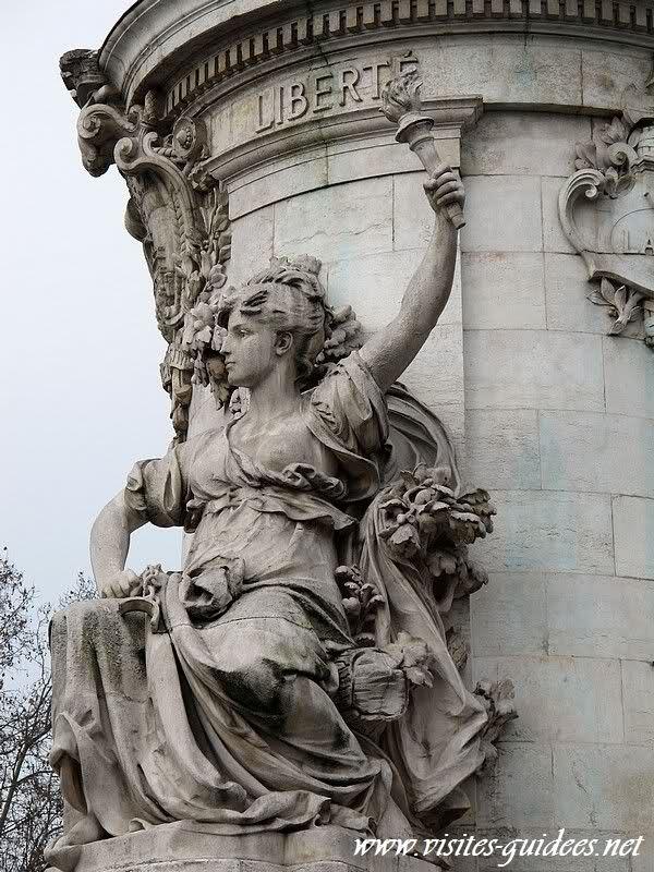 Allégorie de la Liberté Place de la République Paris