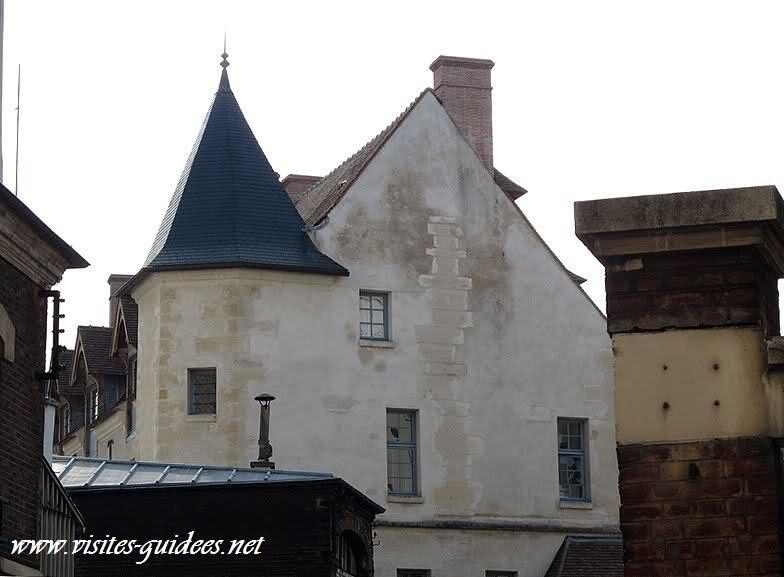 Le château de la Reine Blanche Paris