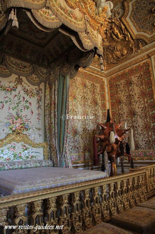 Joana Vasconcelos Versailles Perruque