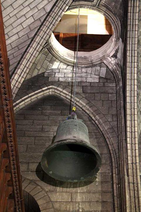 Dépose des cloches de Notre Dame