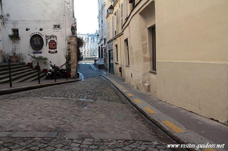 Enceinte gallo-romaine de la Cité