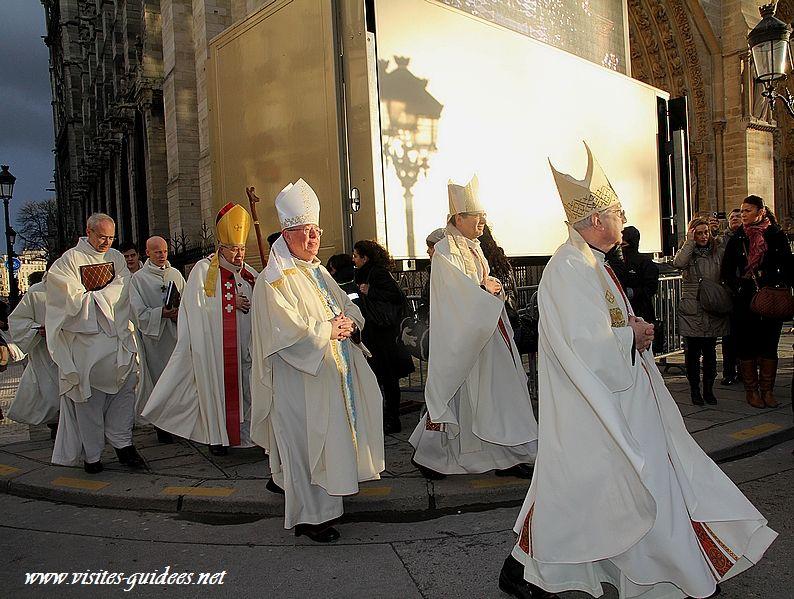 Bénédiction du Bourdon Marie par Monseigneur Vingt-TroisI
