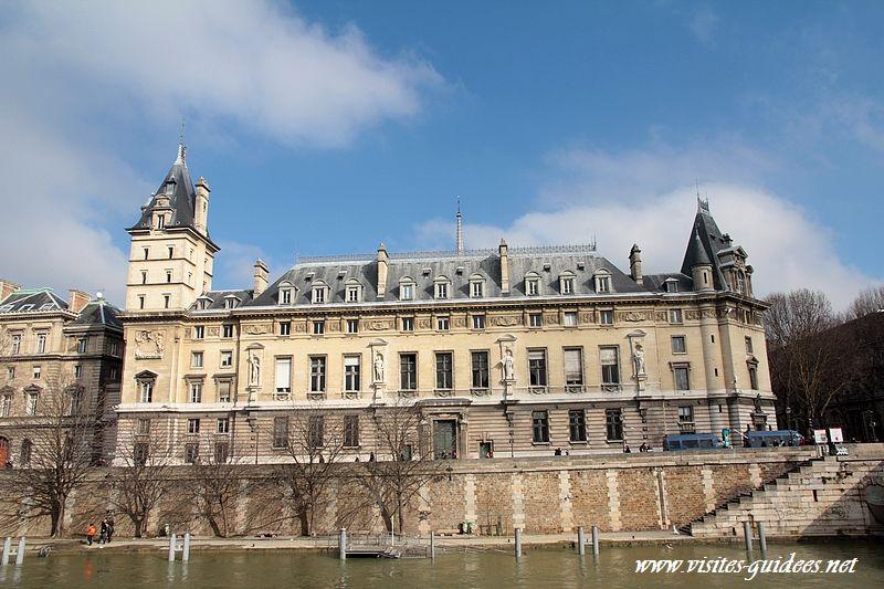 cadran solaire Palais de Justice Paris