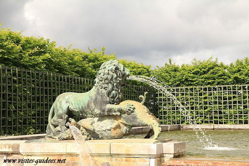 Fontaine du soir château de Versailles